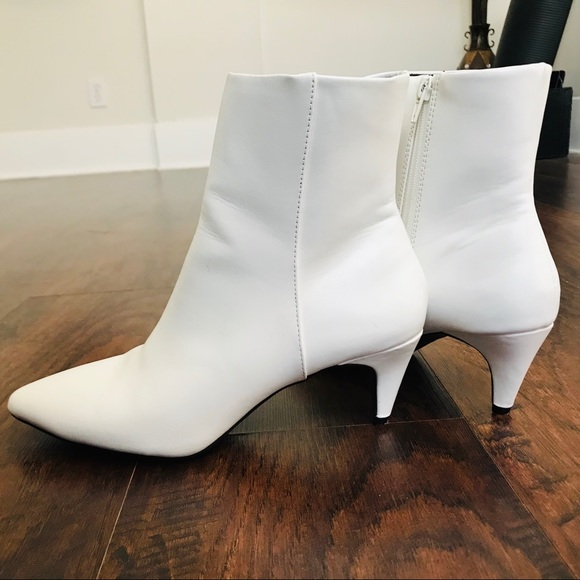 8348361a80ec Christian Siriano Shoes - Christian Siriano White Boots w/ Kitten Heel S 9